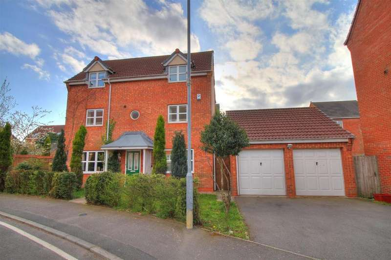 4 Bedrooms Detached House for sale in Staples Drive, Coalville