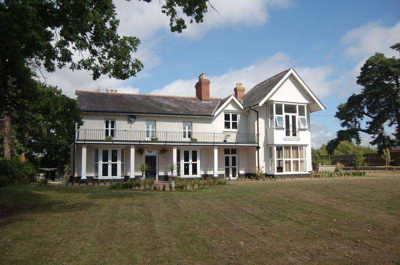 8 Bedrooms Country House Character Property for sale in Monmouth Road, Raglan