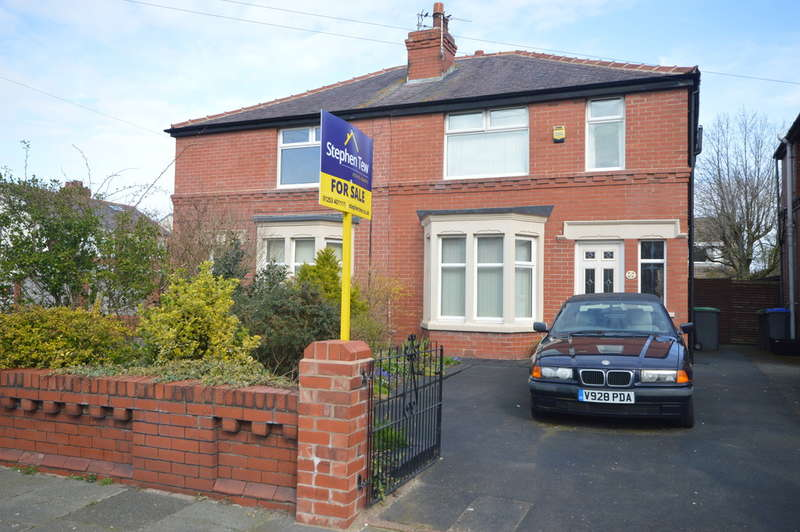 3 Bedrooms Semi Detached House for sale in Sandgate, South Shore