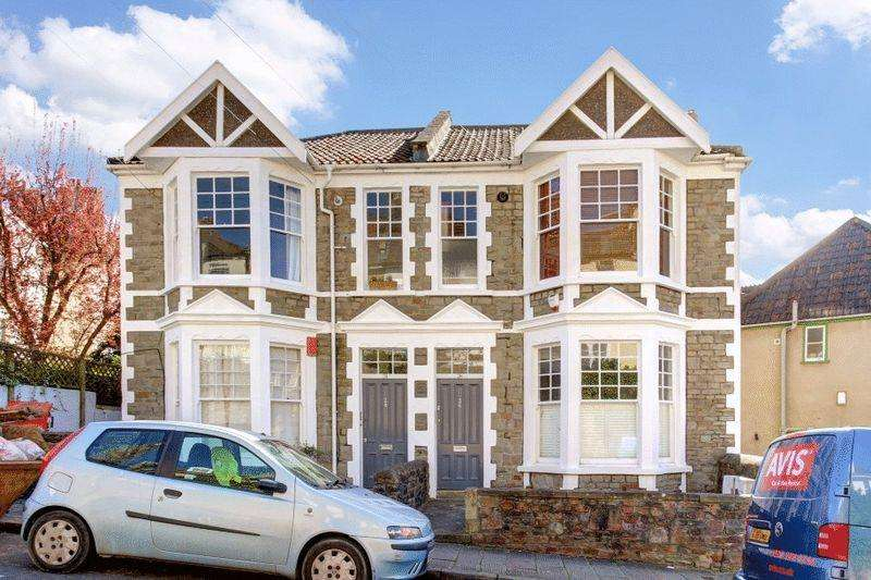 3 Bedrooms Apartment Flat for sale in Church Lane, Cliftonwood
