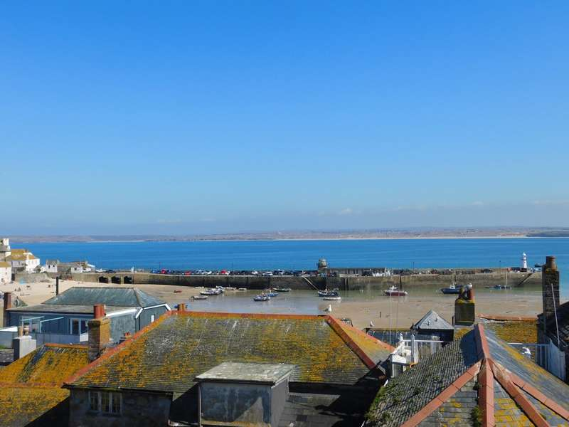 3 Bedrooms Property for sale in 4 Salubrious Terrace St. Ives TR26 1HN