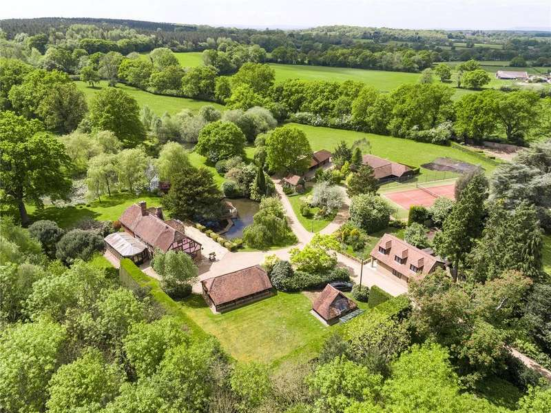 4 Bedrooms Detached House for sale in Brighton Road, Mannings Heath, Horsham, West Sussex