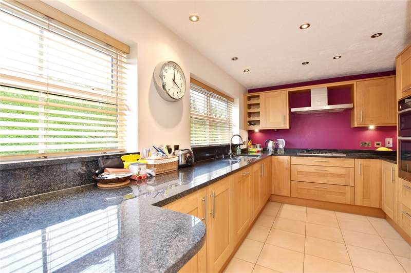 3 Bedrooms Terraced House for sale in Salters Close, Rickmansworth, Hertfordshire, WD3