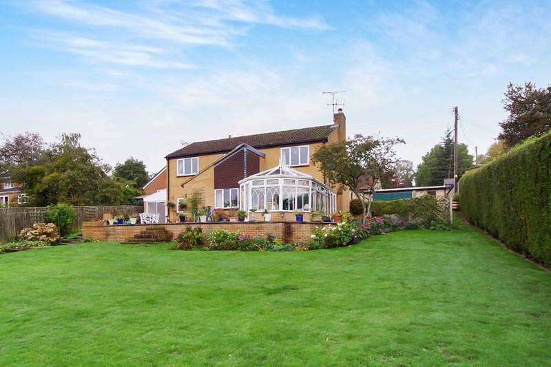 4 Bedrooms Detached House for sale in Cliffords Mesne, Newent