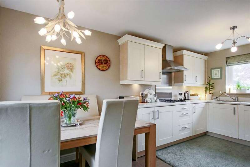 4 Bedrooms Semi Detached House for sale in Harrier Way, Bracknell, Berkshire, RG12