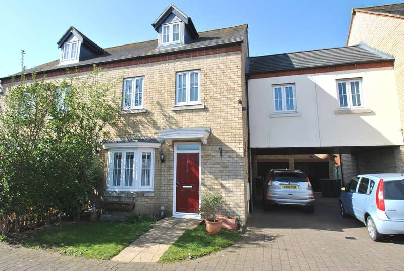 4 Bedrooms Semi Detached House for sale in Birch Grove, Henlow, SG16