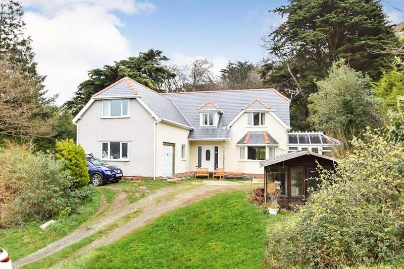 4 Bedrooms Detached House for sale in Glan y Coed Park, Dwygyfylchi