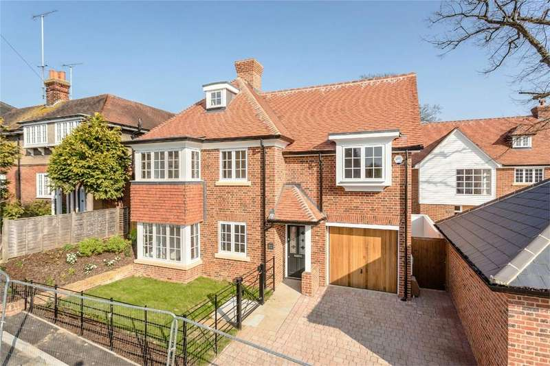4 Bedrooms Detached House for sale in Springhall Road, Sawbridgeworth, Hertfordshire