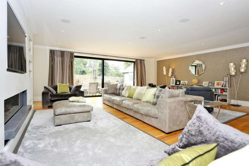 6 Bedrooms Detached House for sale in Park Road, Isleworth, TW7