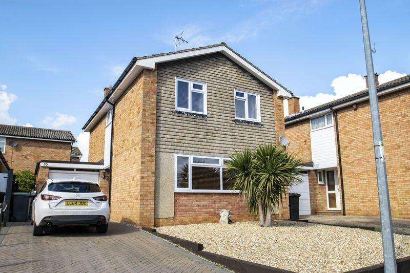 3 Bedrooms Detached House for sale in Tanqueray Avenue, Clophill