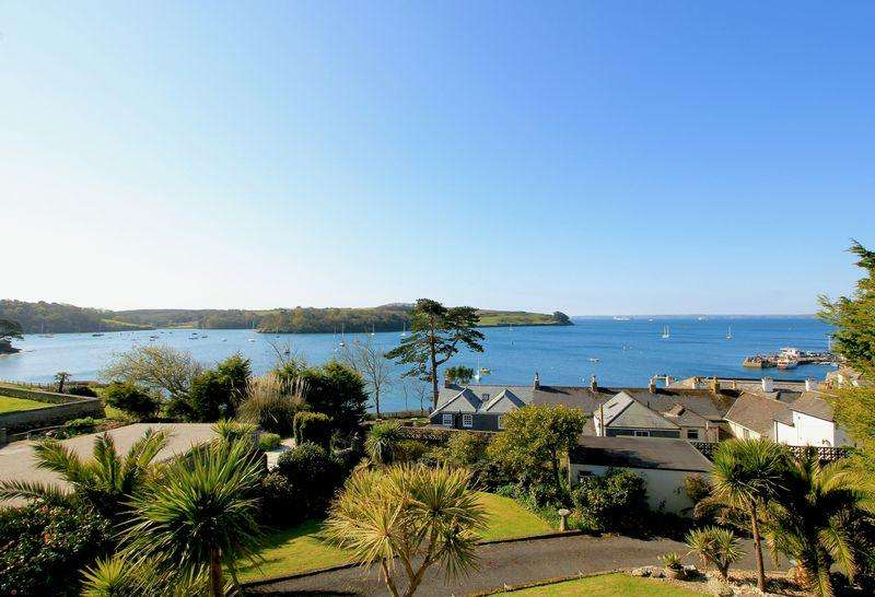 5 Bedrooms Detached House for sale in St Mawes Village Centre