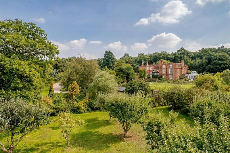 7 Bedrooms Detached House for sale in Riffhams Chase, Little Baddow, Chelmsford
