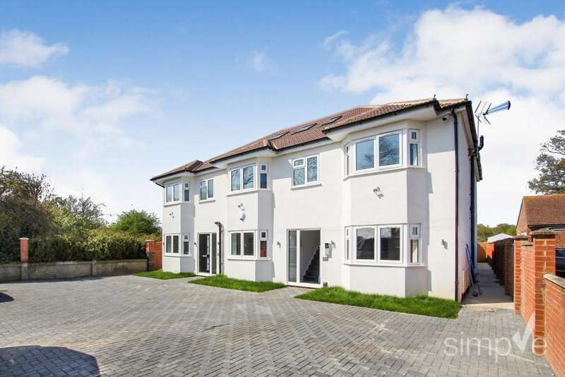 3 Bedrooms Detached House for sale in Hatton Road, Felthem, TW14