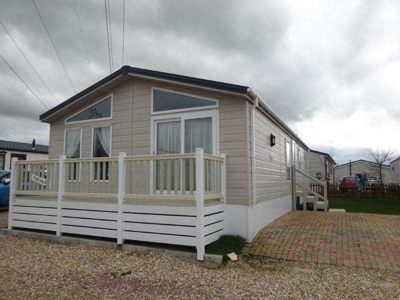 2 Bedrooms Park Home Mobile Home for sale in Tewkesbury Road, Norton, Gloucester