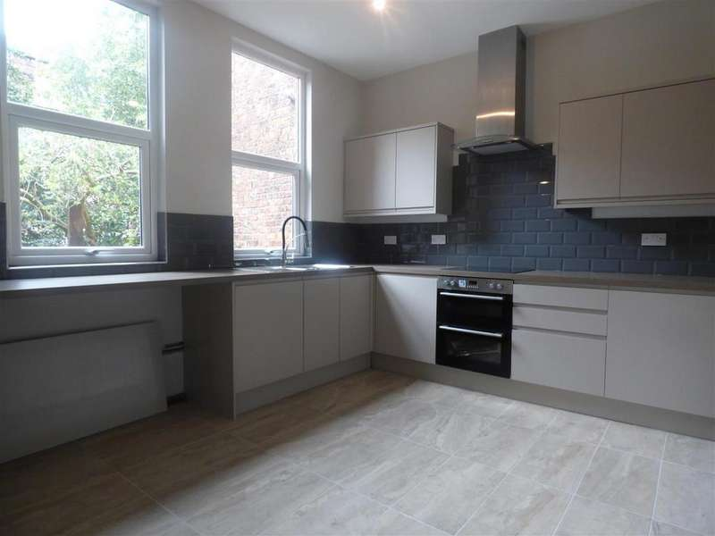 6 Bedrooms House for rent in Clarendon Road, Manchester