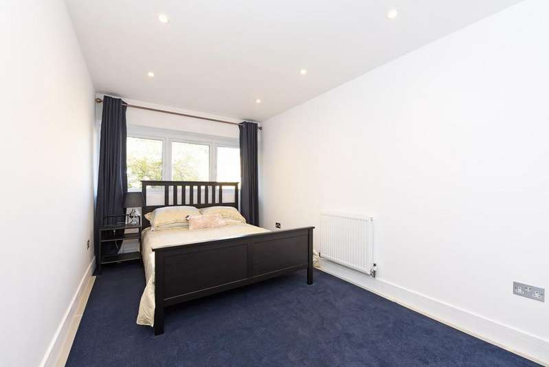 2 Bedrooms Apartment Flat for rent in Woodley, Berkshire