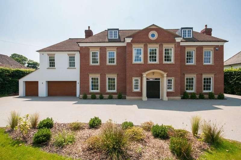 6 Bedrooms Detached House for sale in Warren Drive, Kingswood