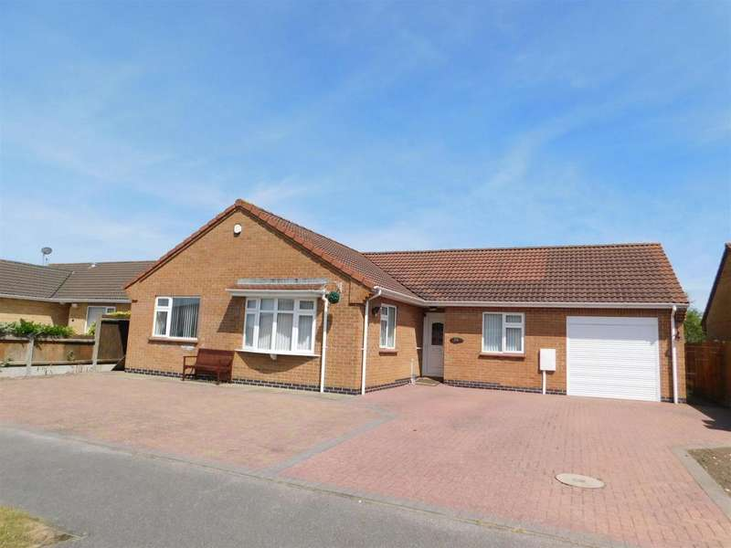 4 Bedrooms Detached Bungalow for sale in Well Vale Drive, Chapel St. Leonards, Skegness, PE24 5SE