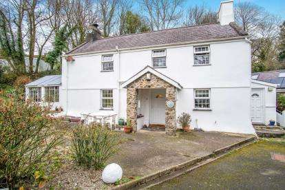 5 Bedrooms Detached House for sale in Sarn Meyllteyrn, Pwllheli, Gwynedd, LL53