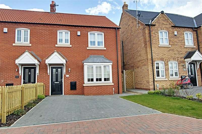 3 Bedrooms Semi Detached House for sale in Paddock Way, Kingswood, Hull, East Yorkshire, HU7