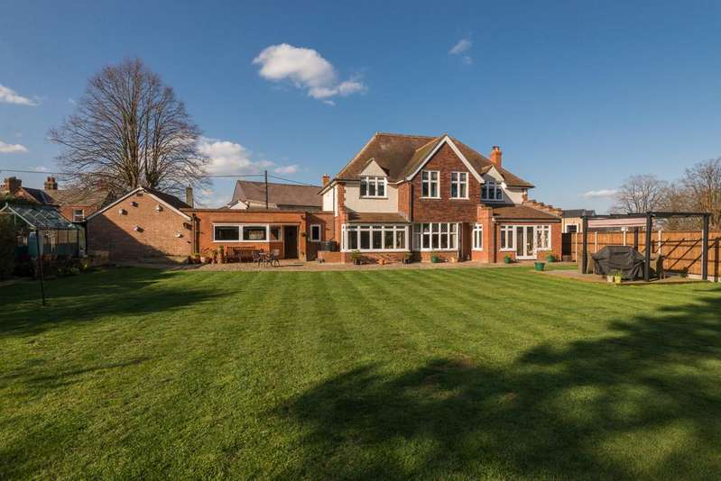 4 Bedrooms Detached House for sale in Temple Road