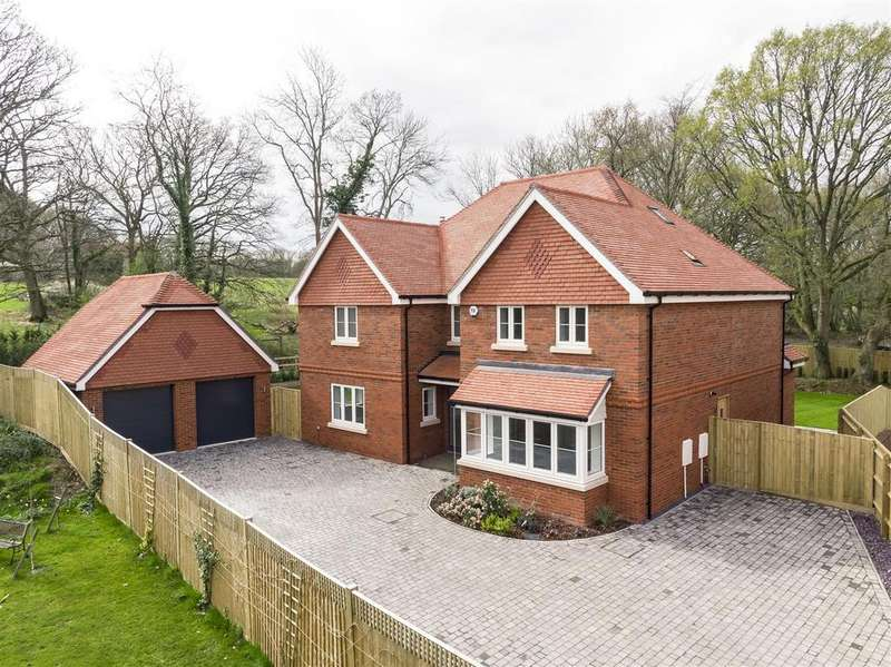 6 Bedrooms House for sale in Off Horsham Road, Cranleigh