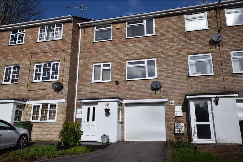 3 Bedrooms Town House for sale in Pine Ridge Road, Burghfield Common, Berkshire, RG7