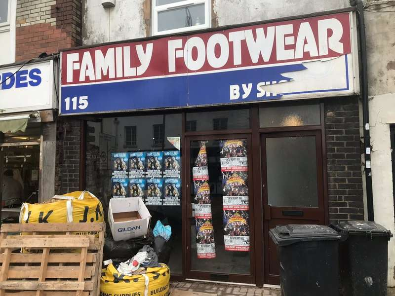 Commercial Property for rent in High Street, Brierley Hill