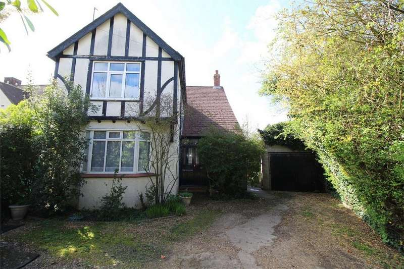 3 Bedrooms Detached House for sale in 21 Houghton Road, St Ives