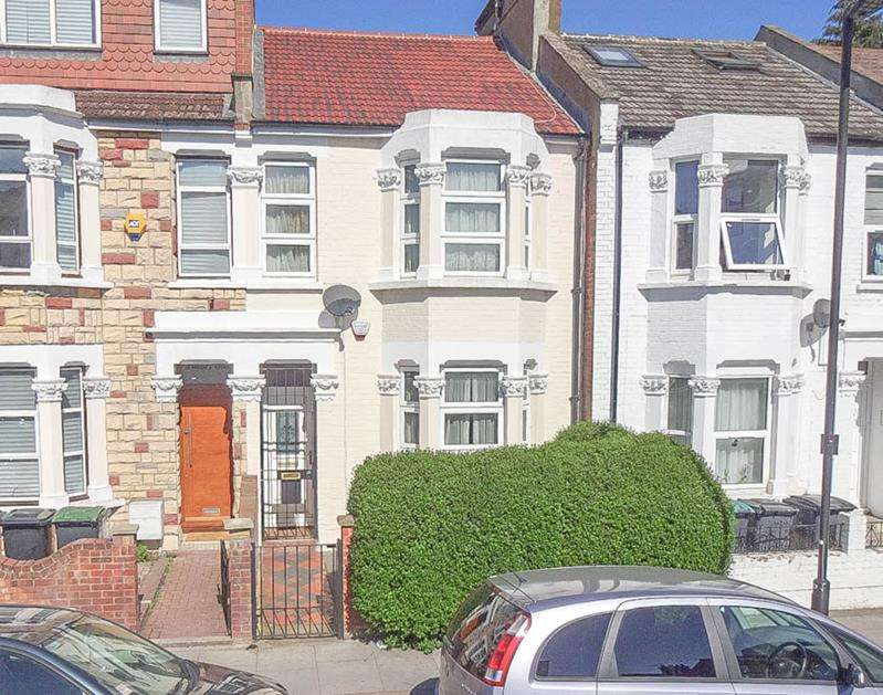 2 Bedrooms Property for sale in Crowland Road, London, N15