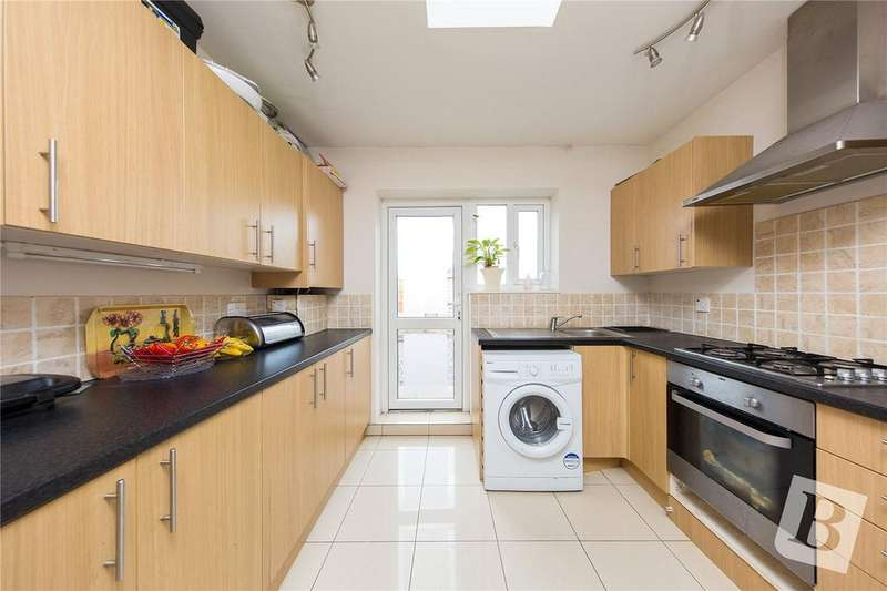 4 Bedrooms Terraced House for sale in Goresbrook Road, Dagenham, RM9