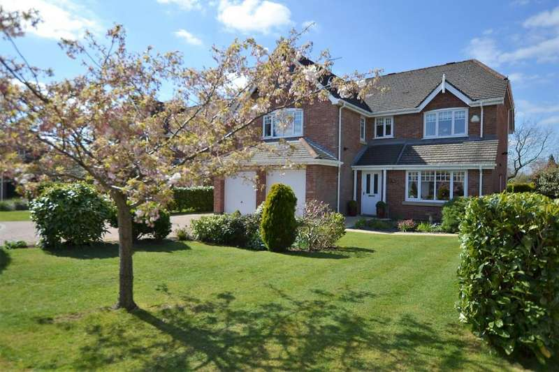 5 Bedrooms Detached House for sale in Hollycroft, Brereton Heath,