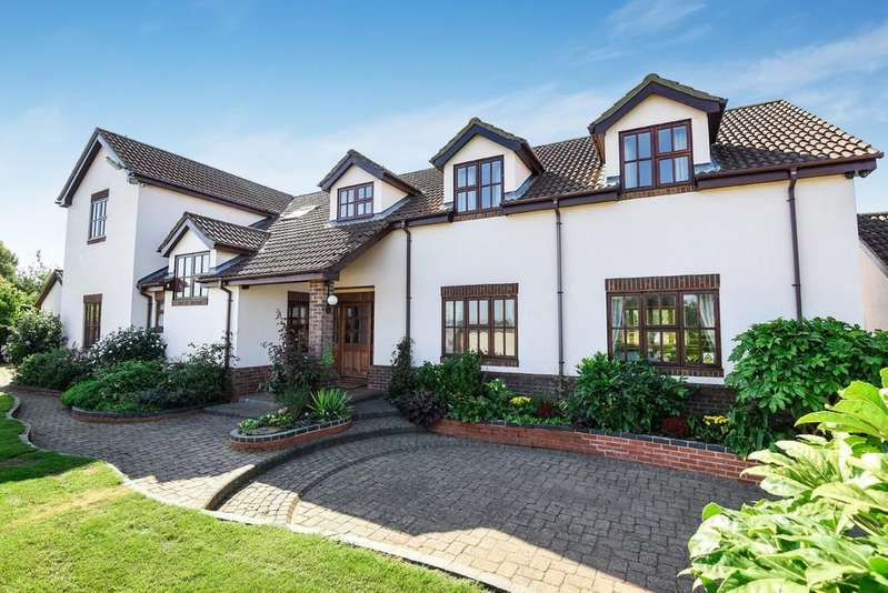 5 Bedrooms Detached House for sale in Walton Highway