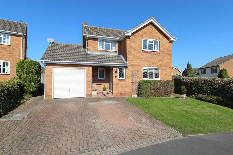 3 Bedrooms Detached House for sale in Royston Close, Walton, Chesterfield