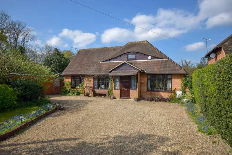 3 Bedrooms Detached Bungalow for sale in Wymers Wood Road, Burnham, SL1