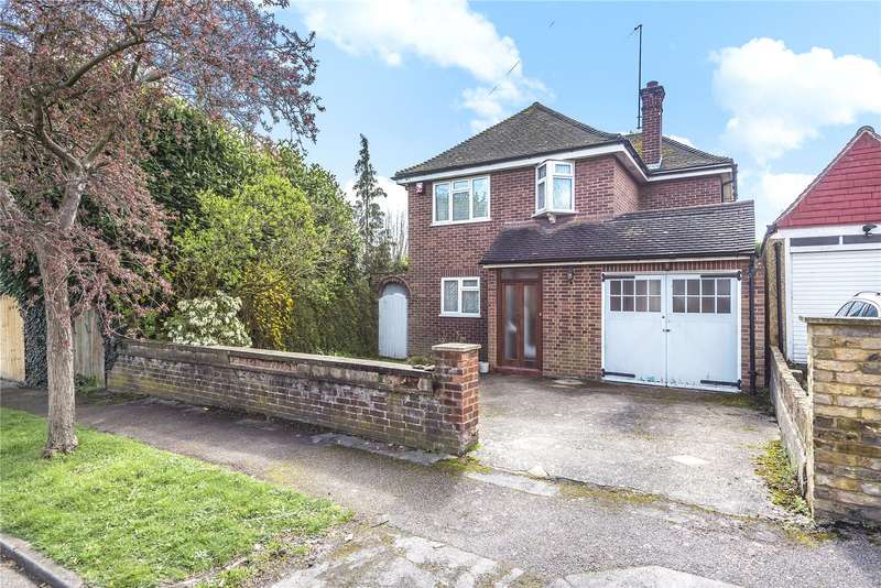 3 Bedrooms Detached House for sale in The Cloisters, Rickmansworth, Hertfordshire, WD3