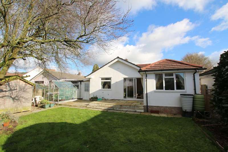 3 Bedrooms Detached Bungalow for sale in Extended bungalow in village location