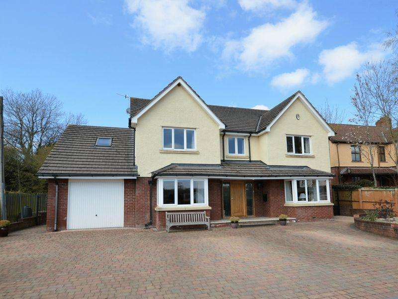 4 Bedrooms Detached House for sale in Poplars Road, Mardy, Abergavenny