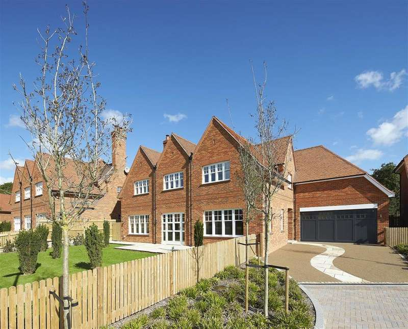5 Bedrooms Detached House for sale in Wood Farm, Wood Lane, Stanmore