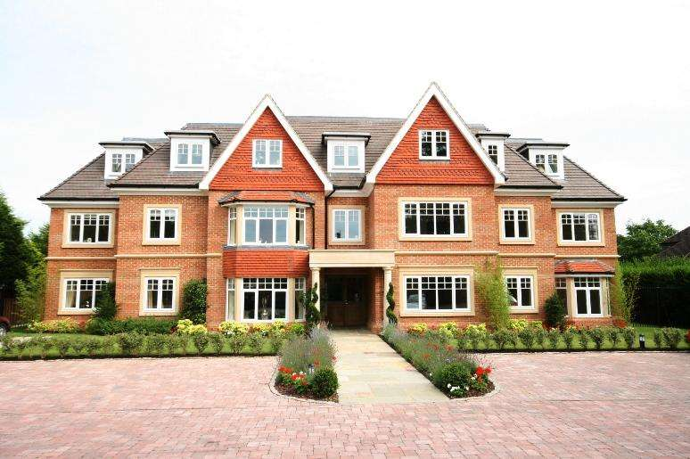 2 Bedrooms Apartment Flat for sale in Shoppenhangers Road, Maidenhead