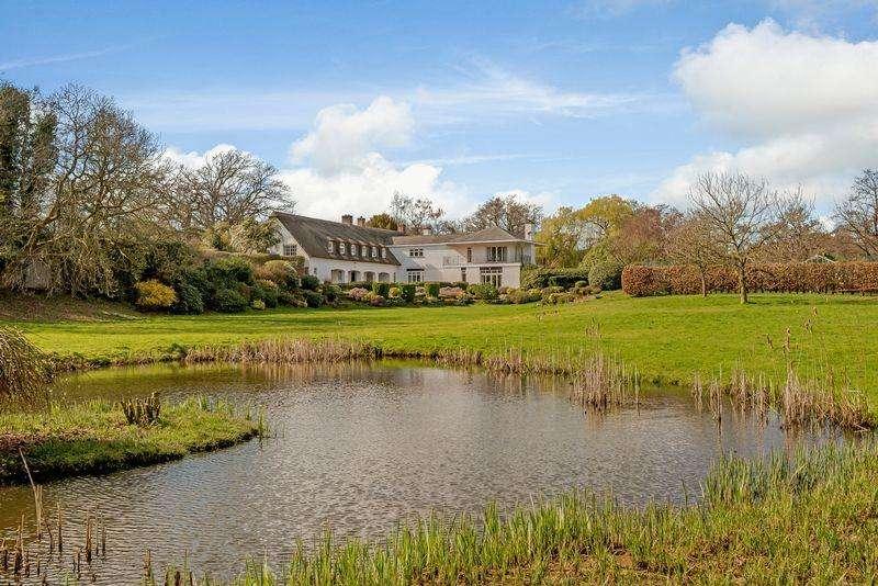 6 Bedrooms Detached House for sale in Cotebrook, Nr. Tarporley