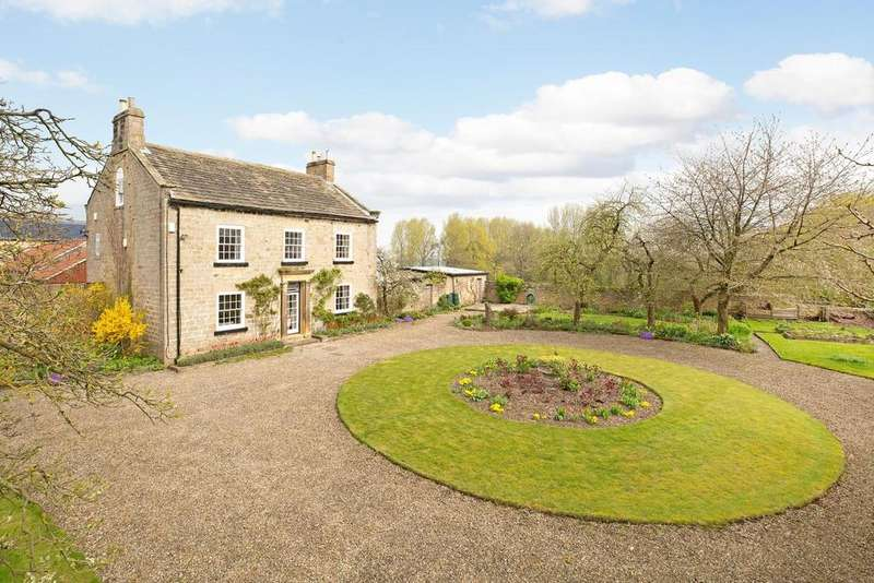 5 Bedrooms Detached House for sale in Knaresborough Road, North Deighton, Wetherby