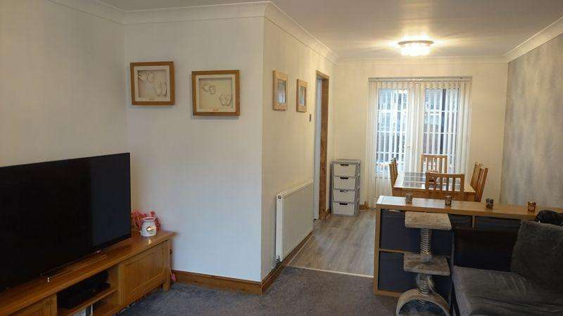 3 Bedrooms Semi Detached House for sale in Fir Trees Crescent, Preston