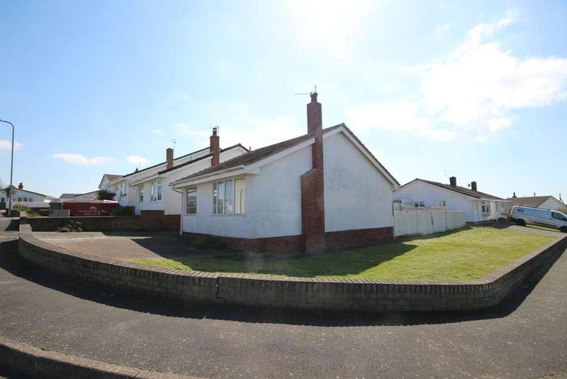 2 Bedrooms Detached Bungalow for sale in Sisial y Mor, Rhosneigr, Anglesey LL64