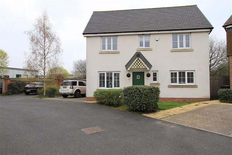 3 Bedrooms Detached House for sale in 36, Trippear Way, Heywood, Lancs, OL10
