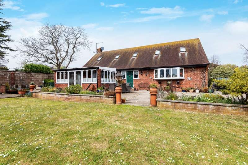 3 Bedrooms Property for sale in Southwick