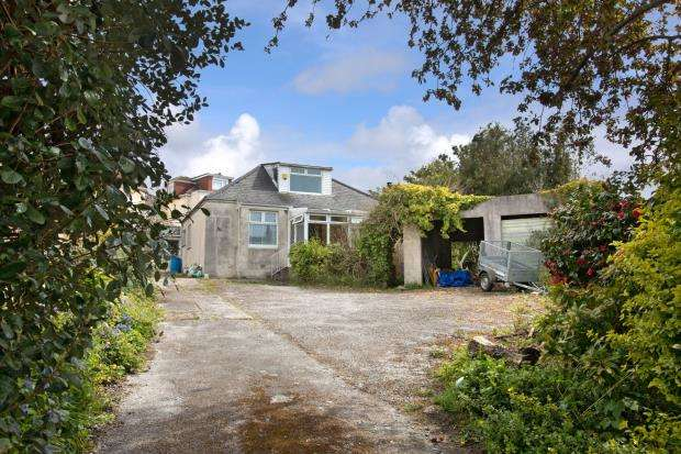 3 Bedrooms Detached Bungalow for sale in Plymouth Road, Plympton, Plymouth, Devon