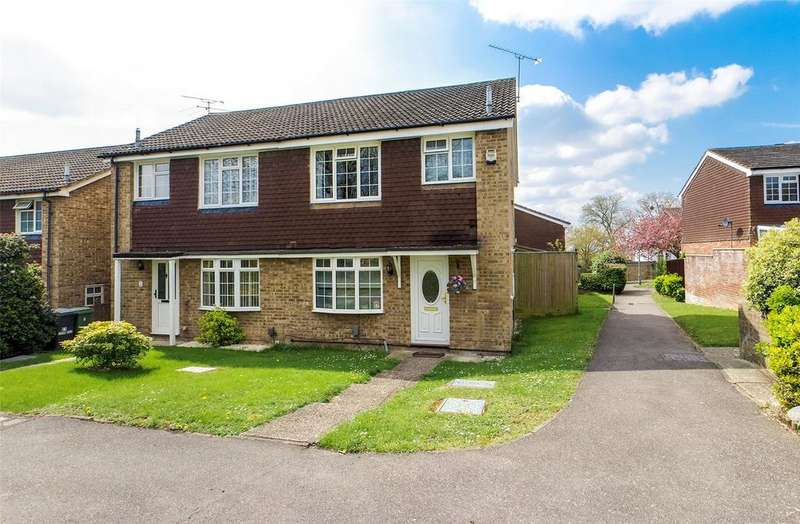 3 Bedrooms Semi Detached House for sale in Lilac Walk, Calcot, Reading, Berkshire, RG31