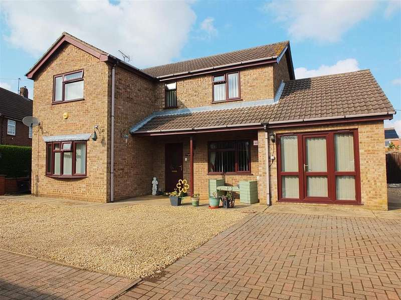 4 Bedrooms Detached House for sale in Allenbys Chase, Sutton Bridge