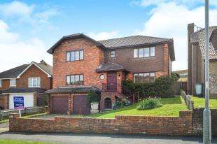 4 Bedrooms Detached House for sale in Court Farm Road, Newhaven, East Sussex